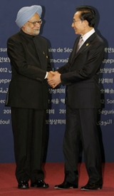 Prime Minister Manmohan Singh and South Korean President Lee Myung